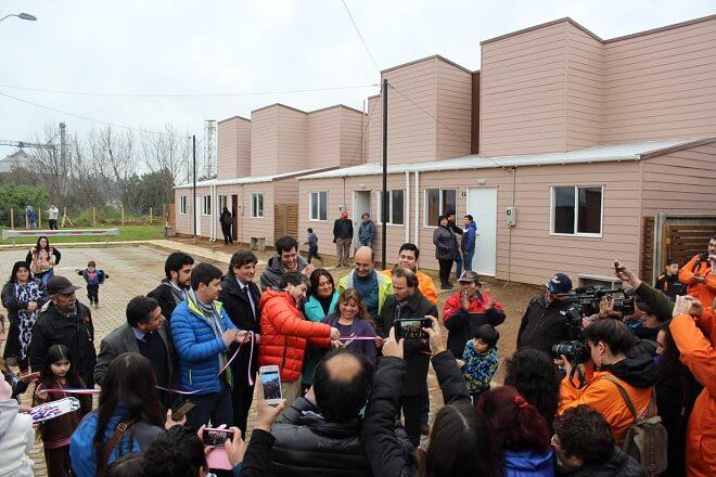 32 familias de comité Nuevo Esfuerzo Los Jazmines recibieron las llaves de sus viviendas en Valdivia