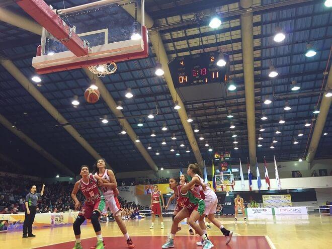 """La """" Rojita"""" femenina repunta y gana partido en semifinales de campeonato continental"""