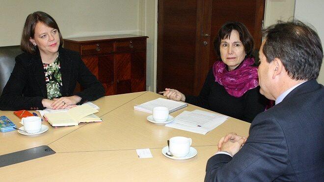 Senadora von Baer manifestó preocupación a ministra de Salud por retraso de hospitales en Los Ríos y solicitó agilizar centros en el Ranco y Valdivia