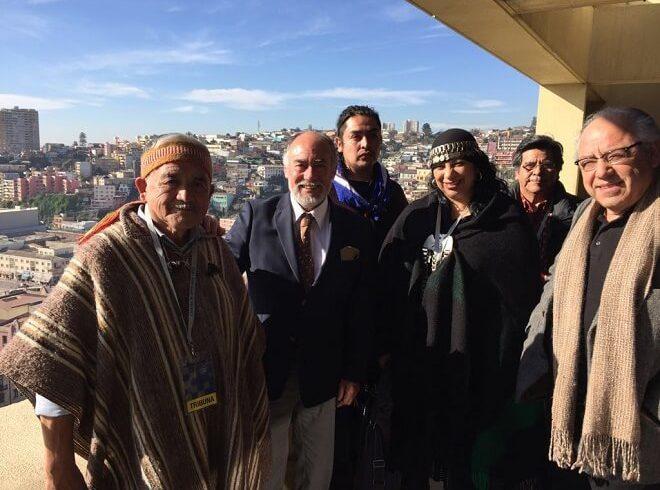 Diputado Flores llevó a La Cámara a representantes de lonkos y werkenes de Los Ríos