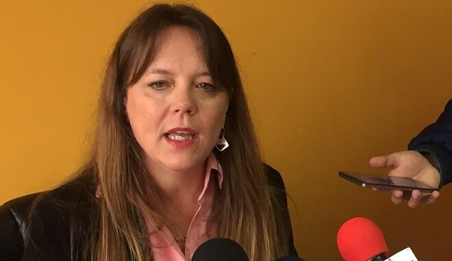 """Ena von Baer sobre Los Pelúes: """"El Gobierno no ha tenido la voluntad de construir el puente, desechódos proyectos de ingeniería y llevan cuatro años de retraso"""""""