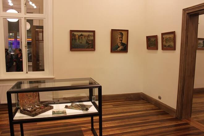 Exposición retrospectiva de Tres Grandes Pintores Valdivianos se puede visitar en Casa Prochelle Uno