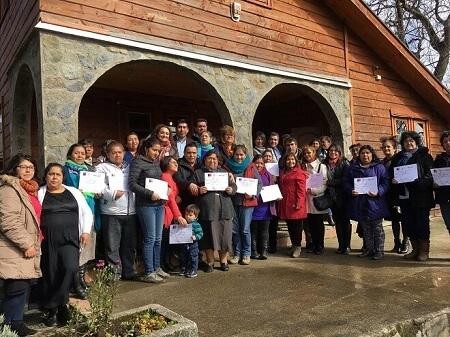Futroninas se certificaron tras participar en talleres de Prodemu Los Ríos