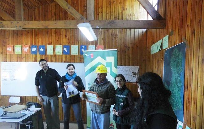 Habitantes de Isla Huapi conformaron consejo comunitario para prevenir los incendios forestales