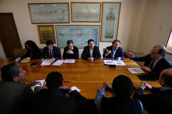 Obras Públicas priorizará camino que une Lago Neltume-Liquiñe en Panguipulli