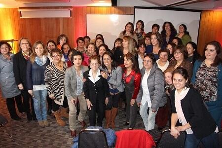 RN de Los Ríos capacitó a mujeres líderes y candidatas en liderazgo femenino con miras a las próximas elecciones municipales: