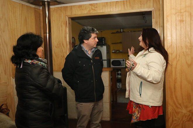 En Valdivia vecinos del sector Petrohué cuentan con mejoramientos térmicos en sus viviendas