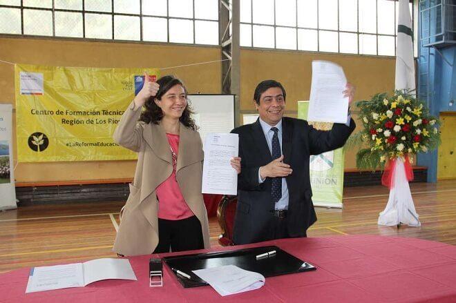 Bienes Nacionales entrega terrenos fiscales para nuevo Centro de Formación Técnica de la Región de Los Ríos