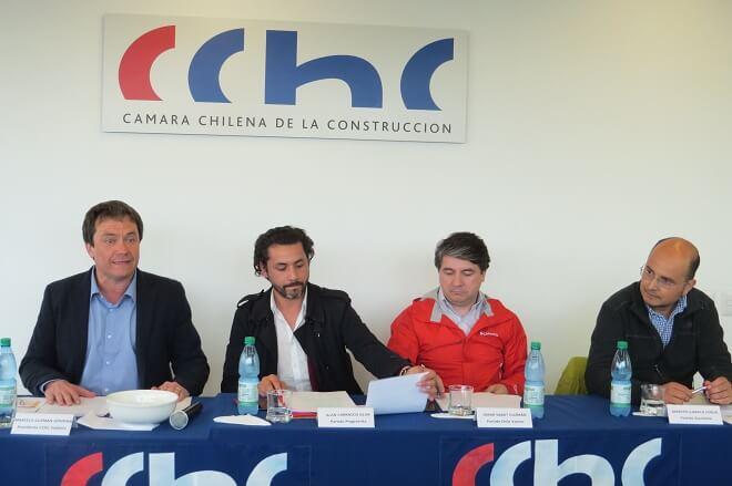 CChC Valdivia realizó foro debate para conocer propuestas de los candidatos a alcalde por Valdivia
