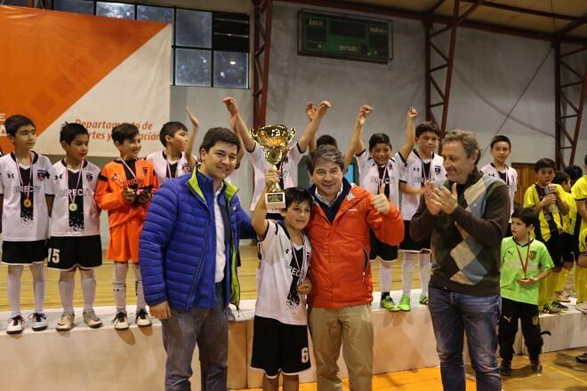 Colo Colo campeón de la liga futsal sub 10 en Valdivia