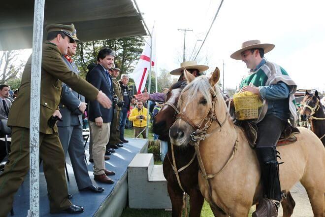 Comunidad de Niebla participó activamente endesfile de Fiestas Patrias