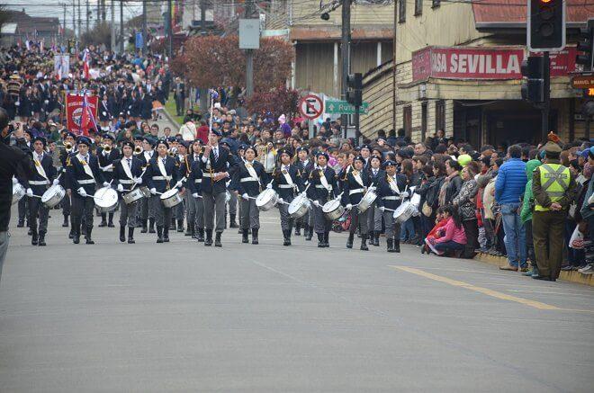 Escolares de los establecimientos educacionales de La Unión participaron de masivo desfile por la Fiestas Patrias