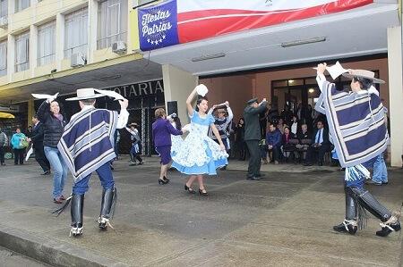 Esquinazo folclórico, Te Deum y desfile en honor a las Glorias del Ejército marcaron inicio de fiesta dieciochera en La Unión