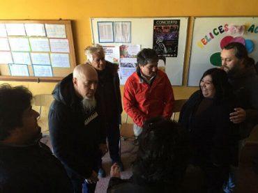 Jordan Rudess visitó a alumnos de colegio municipal de Valdivia