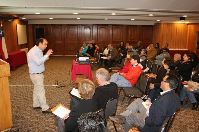 Municipalidad de Valdivia realizó jornada de reflexión sobre seguridad pública
