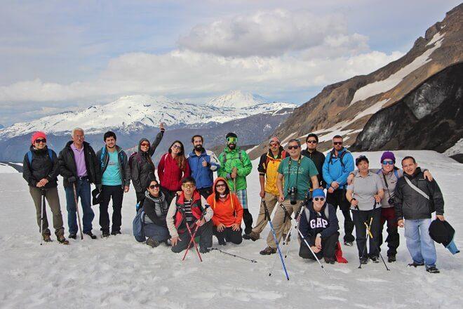 Municipio de Panguipulli celebró Día Internacional del Turismo con trekking a milenario glaciar