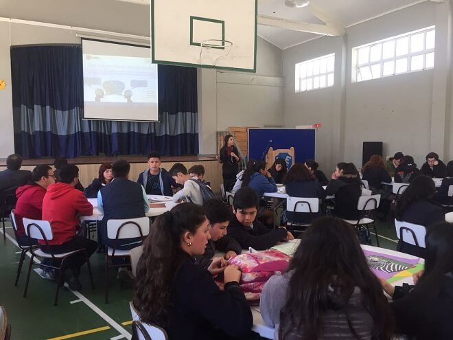 Jóvenes penquistas dialogaron sobre la convivencia escolar