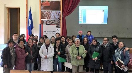 Dirigentas sociales de Mariquina se capacitaron para ser mujeres líderes de su comuna