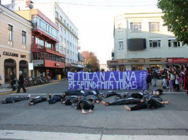 #NiUnaMenos: La marcha en contra del femicidio que se tomó Valdivia
