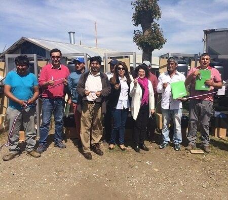 Entregan motores más eficientes a pescadores artesanales de Mehuín