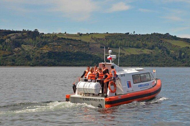 En Chiloé subsecretaría de redes asistenciales entrega dos modernas ambulancias marítimas