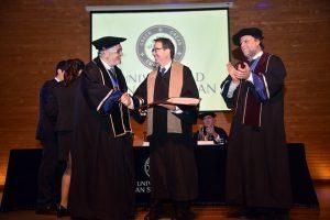 honoris_causa_fernando_galvan-1