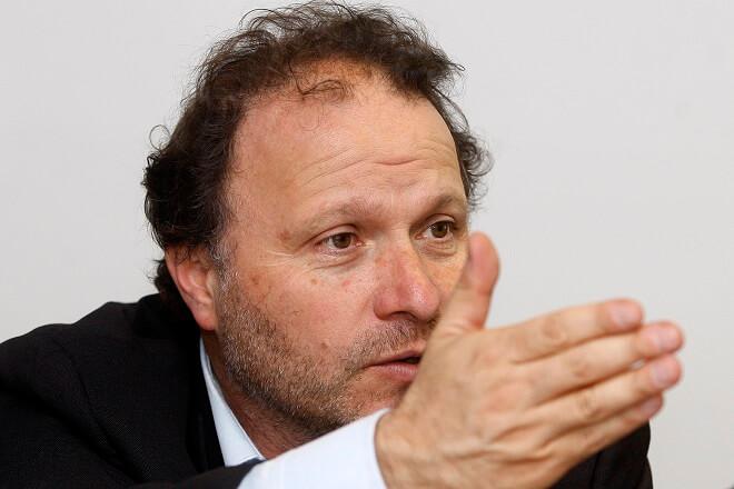 """Como """"una maniobra contra los derechos de los consumidores"""" calificó senador De Urresti escrito contra Ley SERNAC ante el TC"""