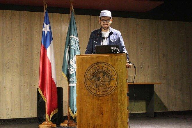Camilo Huinca, destacado diseñador gráfico, dictó clase magistral en Santo Tomás Valdivia