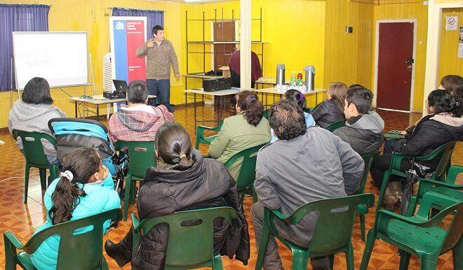 Capacitan en primeros auxilios a dirigentes y pobladores de Rahue Alto en Osorno