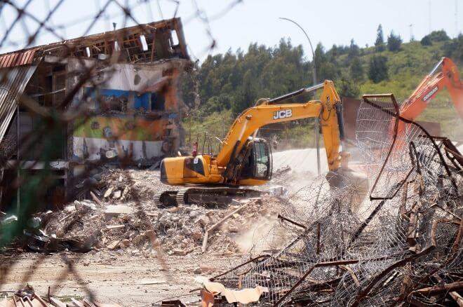 En Concepción avanza proceso de demolición de cárcel El Manzano