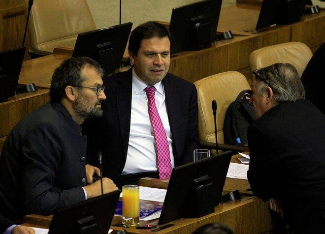 Diputado Vallespín pide informar sobre reajuste aprobado para más de 40 mil trabajadores del sector público con rentas bajas
