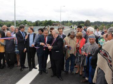 Subsecretario Galilea inaugura moderno puente Río Bueno que mejora la conectividad y el principal acceso a la comuna