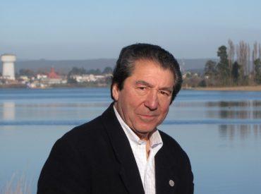 """Arturo Norambuena, consejero regional por Los Ríos: """"AZVI acudió al CORE sólo para hacer un blanqueamiento de imagen por lo sucedido con el puente Cau-Cau"""""""
