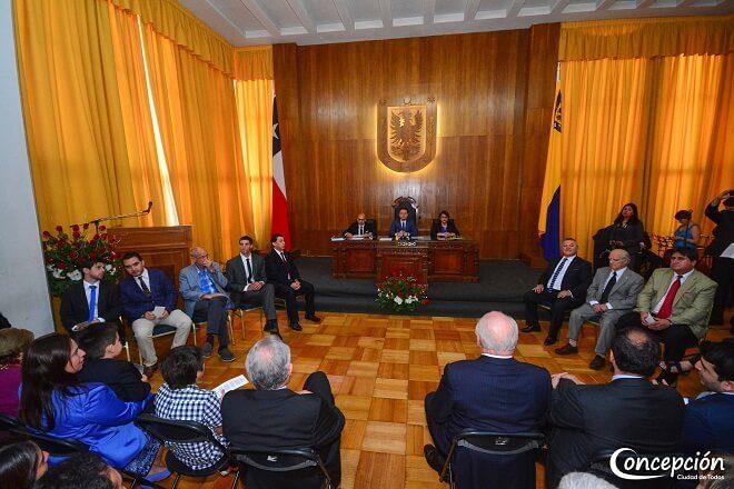 En Concepción asumió nuevo concejo para período 2016-2020