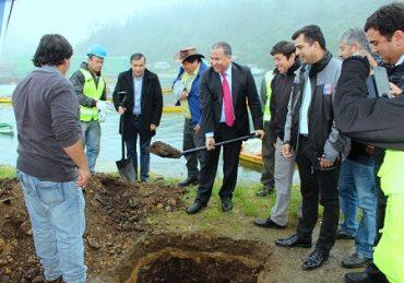 Pescadores de Amargos celebran inicio de proyecto parareponer su antigua caleta