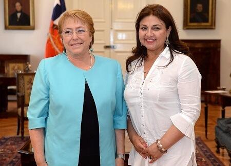 Ramona Reyes presentó cartera de proyectos de Paillaco a presidenta Michelle Bachelet