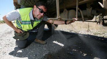 Camiones forestales incorporan sistema deriego para mitigar polvo en caminos rurales