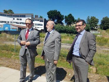 Fiscal Nacional visitó terreno en el que se construirá la Fiscalía Regional de Los Ríos