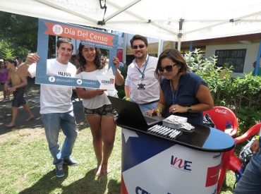 INE e INJUV difundieron el Censo 2017 en el Balneario de San Pedro de la Paz
