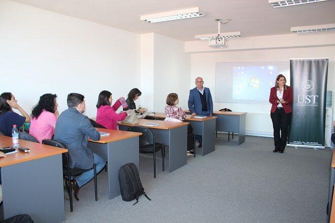 Docente de Suiza dictó clase magistral para docentes de la UST
