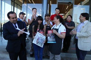 Autoridades de Región del Bío Bío destacan a familia de estudiante que accederá a gratuidad en educación superior