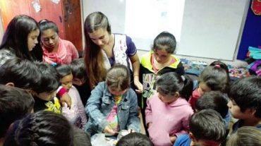 Niños de los centros de verano aprenden dinámicamente sobre alimentación saludable y habilidades para la vida