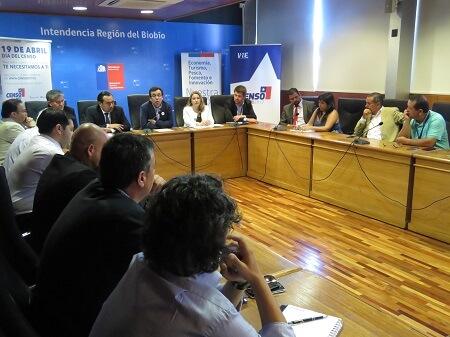 Ministro de Economía se reunió con alcaldes de la provincia de Concepción para coordinar el Censo 2017