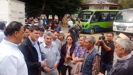 Ministro Gómez-Lobo anuncia nuevo servicio de transporte gratuito para zona afectada por incendio