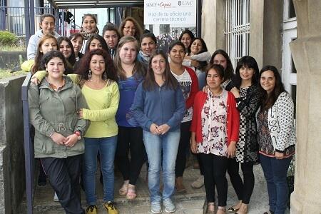 Mujeres y jóvenes de comunas podrán estudiar una carrera de nivel superior gracias al programa +Capaz