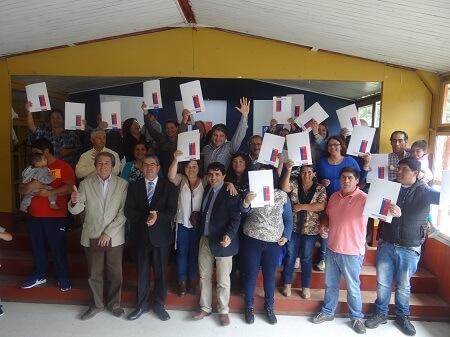 27 familias de Huellelhue recibieron sus títulos de dominio