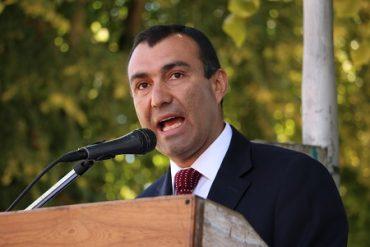 Alcalde de Castro someterá a votación del Concejo Municipal el término del contrato con la empresa de parquímetros.