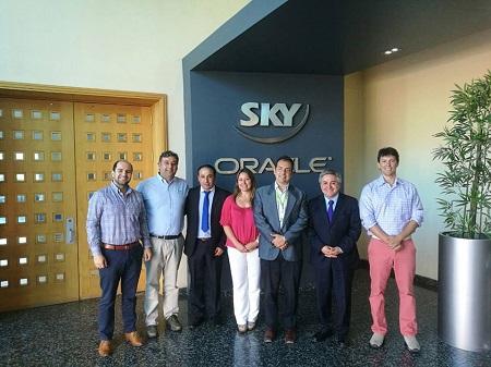 Alcaldes Fernando Paredes y Roberto Cardenas se reúnen con ejecutivos de Sky y Latam para proyectar prolongación de vuelos a puerto natales