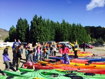Clinica de kayak finaliza con éxito en Puerto Río Tranquilo