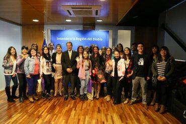 Estudiantes de Región del Bíobío beneficiadas con Gratuidad fueron reconocidas en Día Internacional de la Mujer
